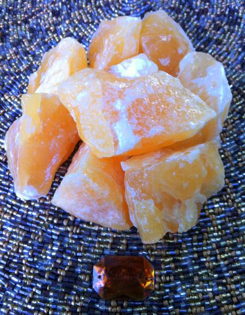 Medium Orange Calcite stones - Boosting sex drive