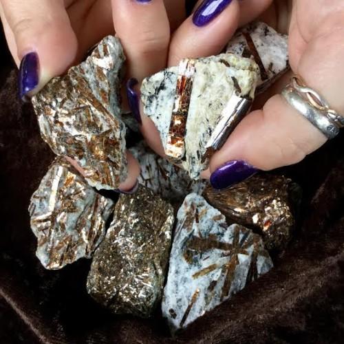 Astrohyllite