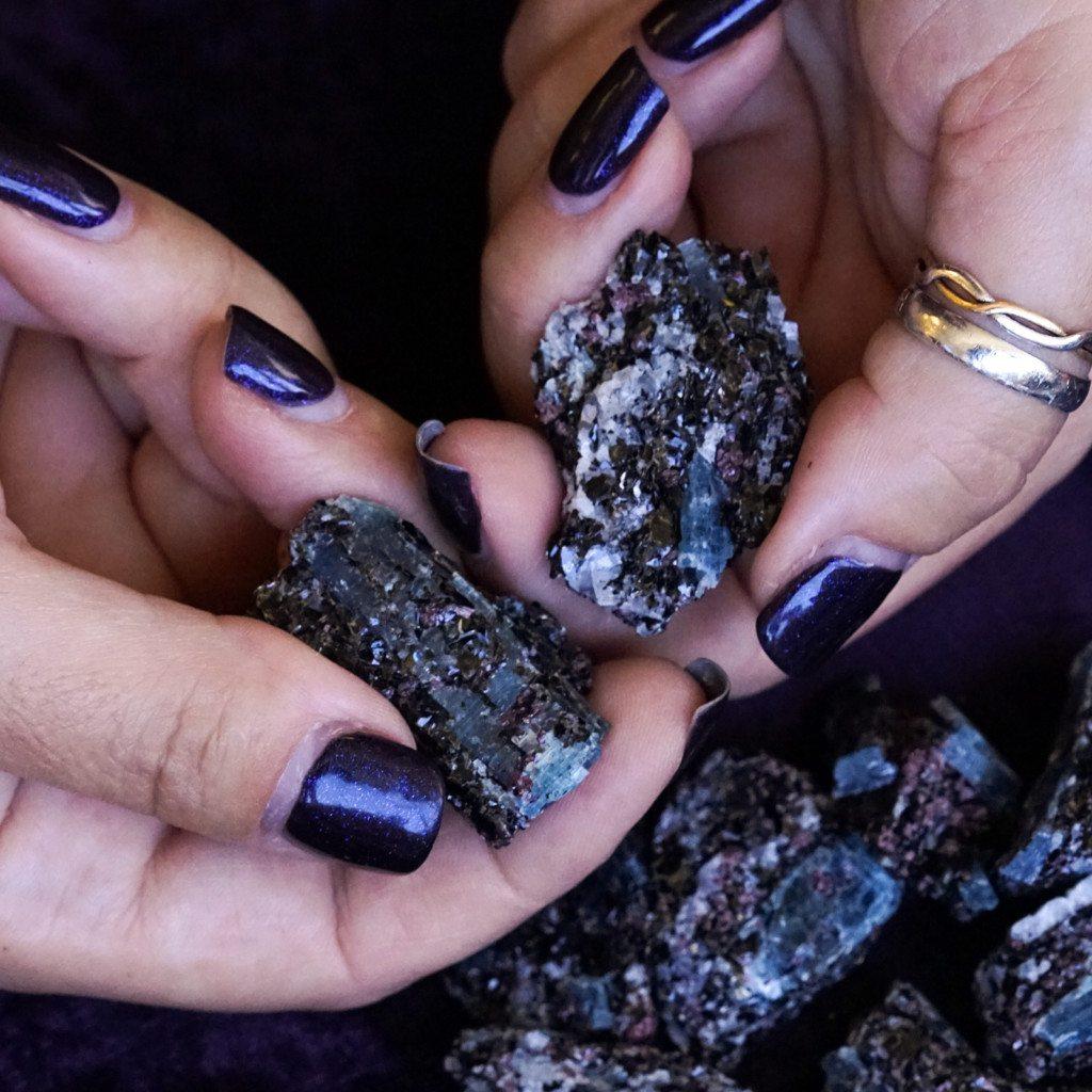 Blue kyanite with garnet