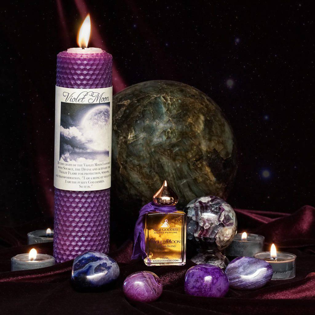 violet moon set