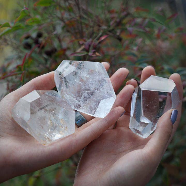 Clear Quartz Channeling Stones