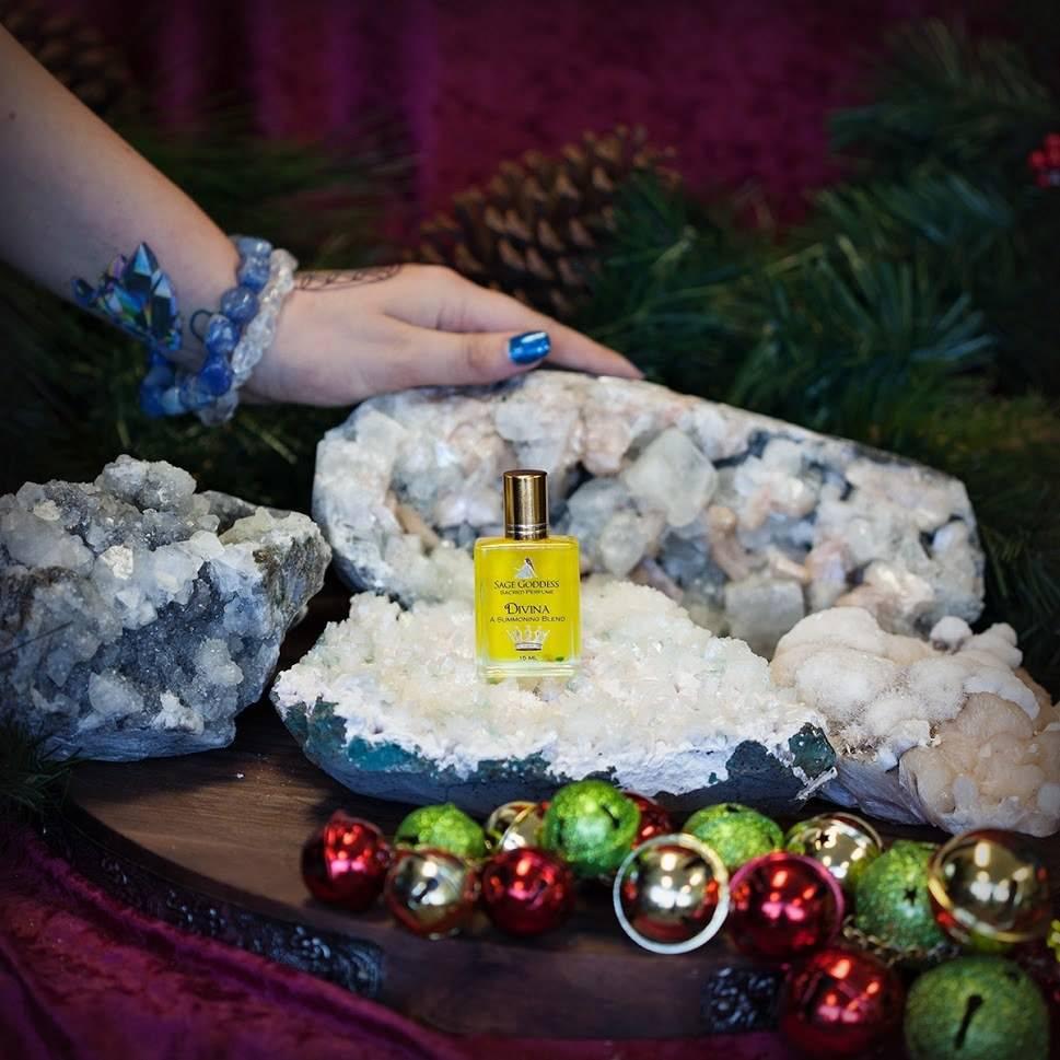 Huge Zeolite Clusters w Divina Perfume