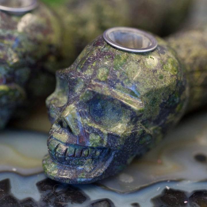 Dragonstone_Skull_Pipe_2of2_7_1
