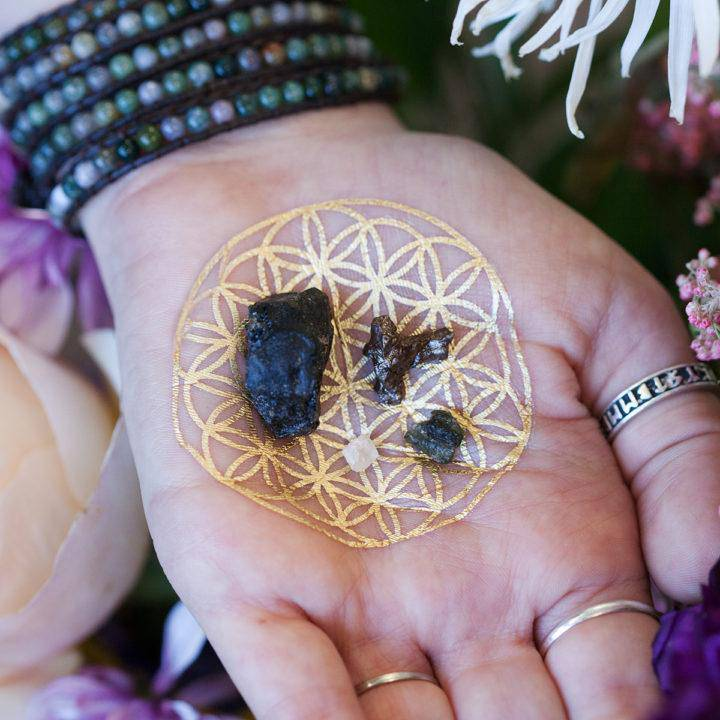 Akasha Perfume with Extraterrestrial Gem Set DD 5_1 SECONDARY