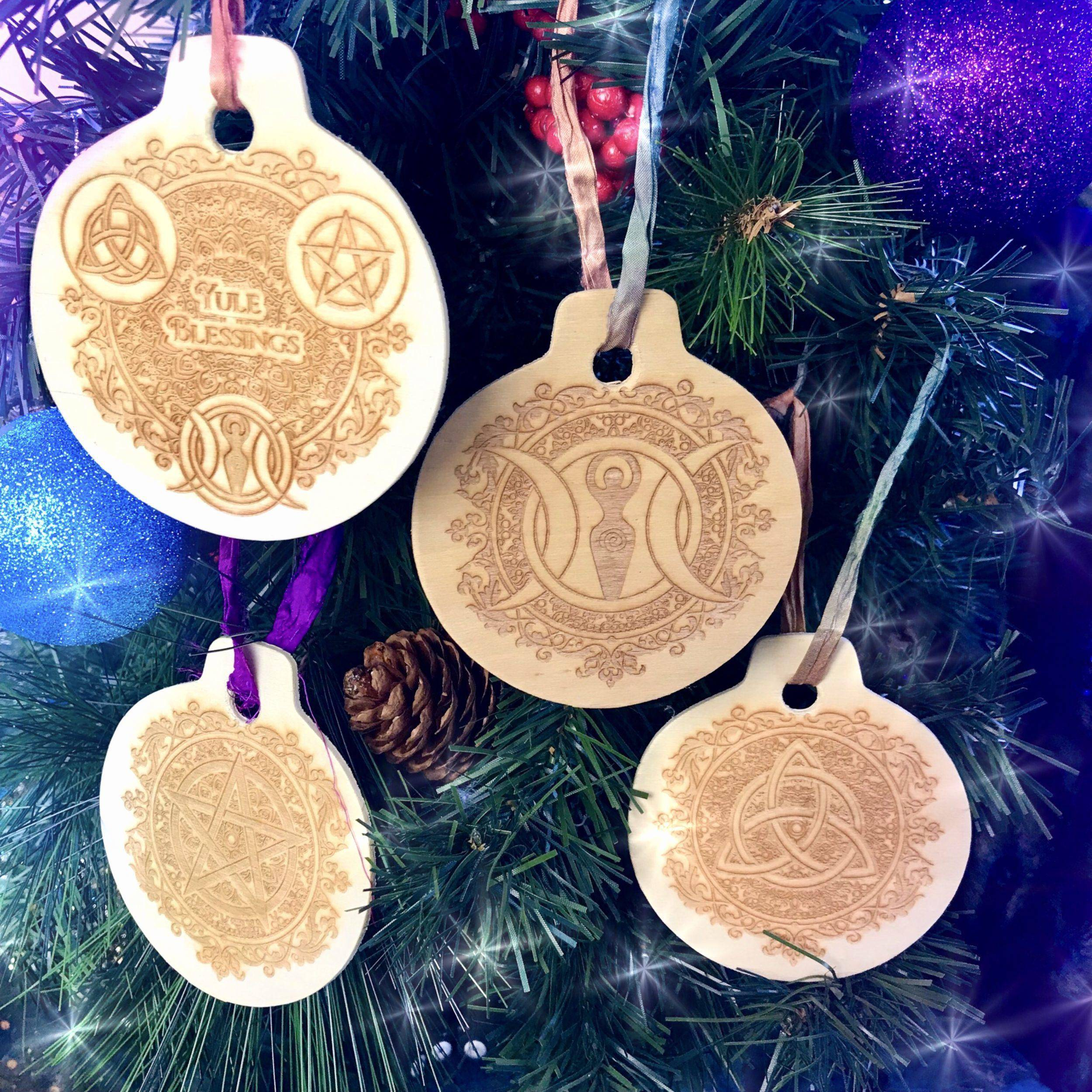 Blessed_Yule_Ornaments_1of5_11_10