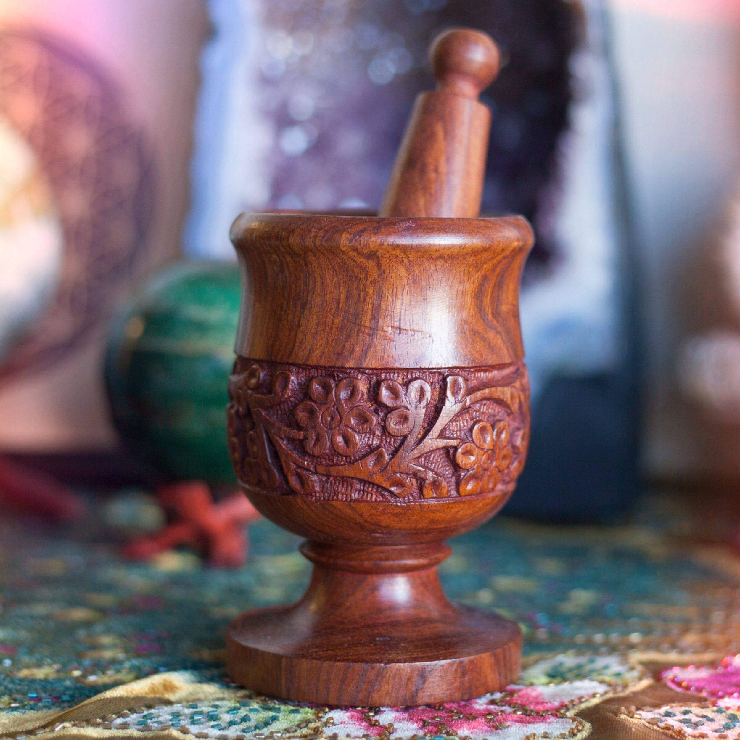 Wooden_Carved_Mortar_and_Pestle_1of3_11_6