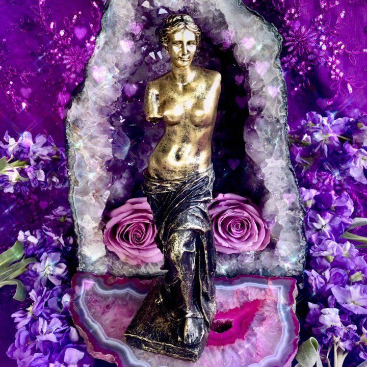 Venus_Statue_1of3_2_8